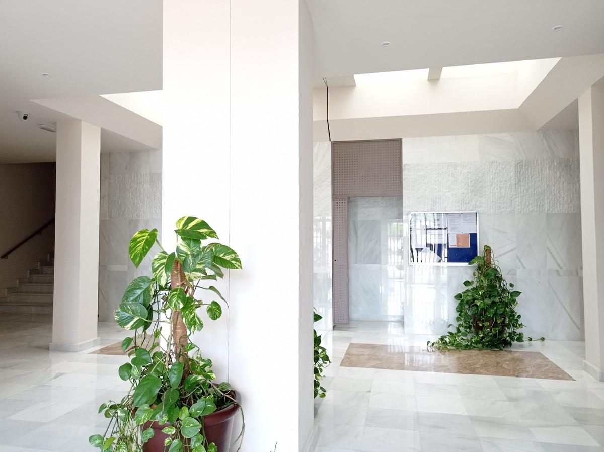 Apartamento en Venta en Nueva Andalucía – R3794191