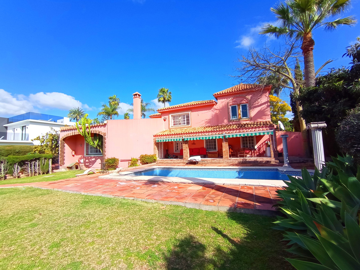 The  Andalusian stylish villa is located in Nueva Andalucia in a exclusive location in a very secure,Spain