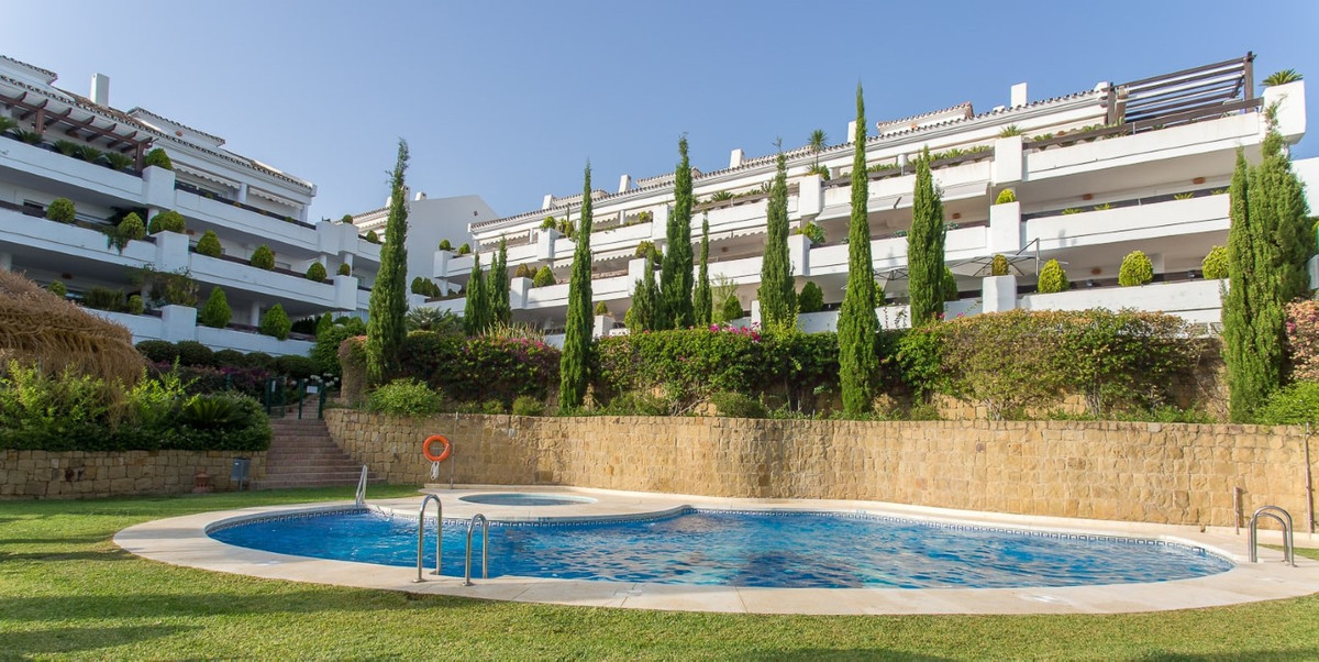 Apartment for sale in Nueva Andalucia - Nueva Andalucia Apartment - TMRO-R3228949