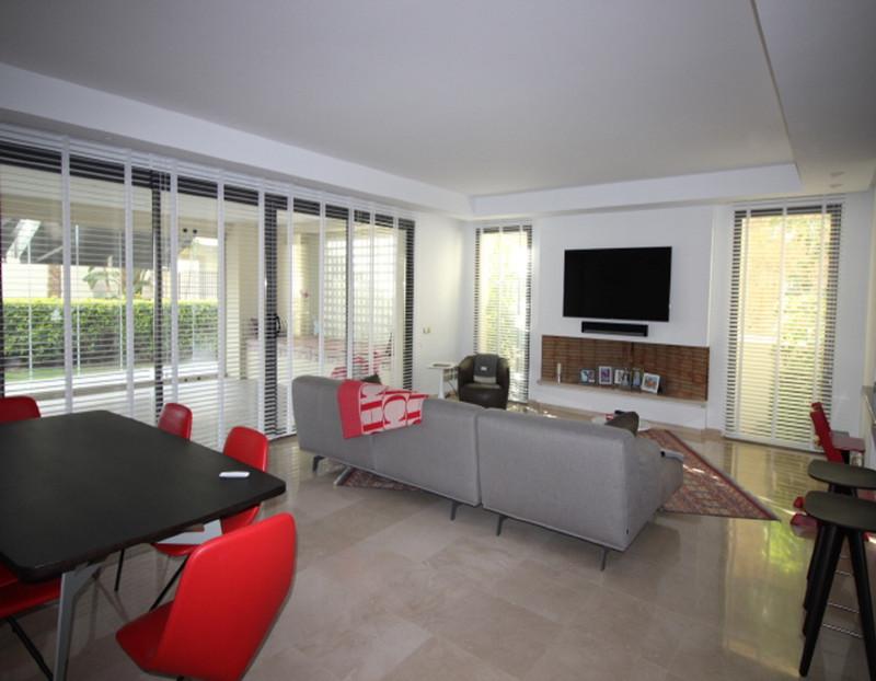 Se vende Apartamento Planta Baja, Sierra Blanca – R3521914