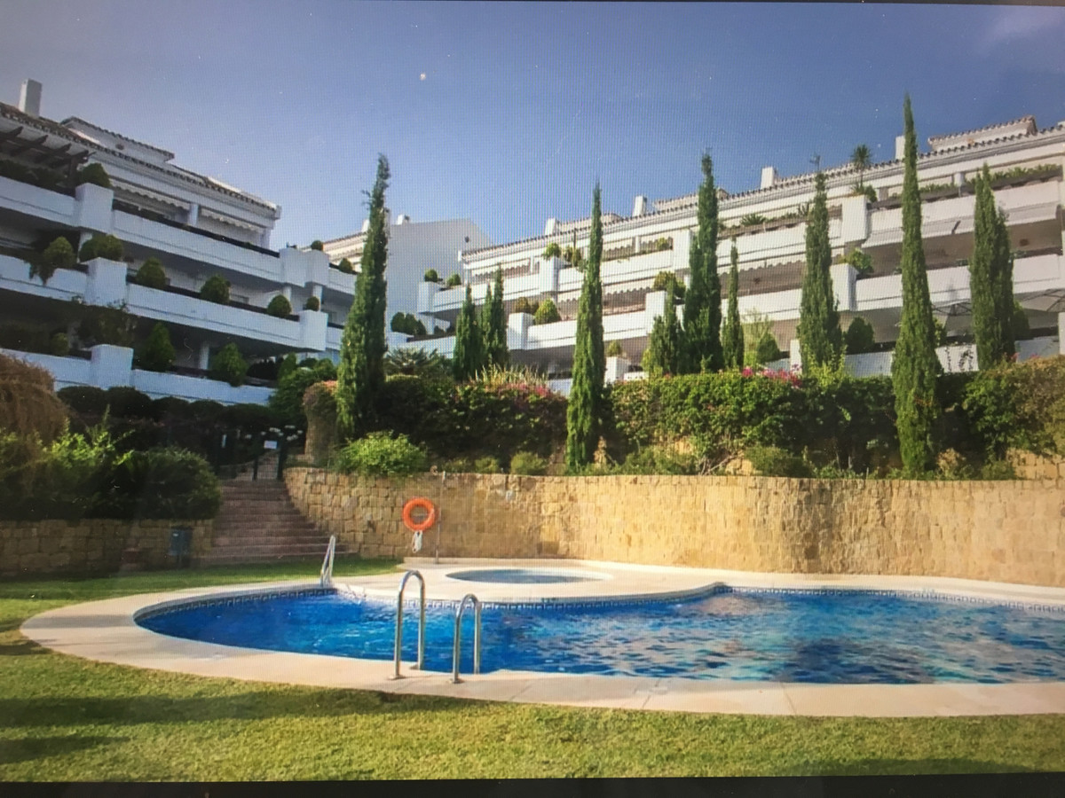 Immaculate condition 2 bed/ 2 bath apartment in Aloha, Nueva Andalucia. Close to all amenities, engl,Spain