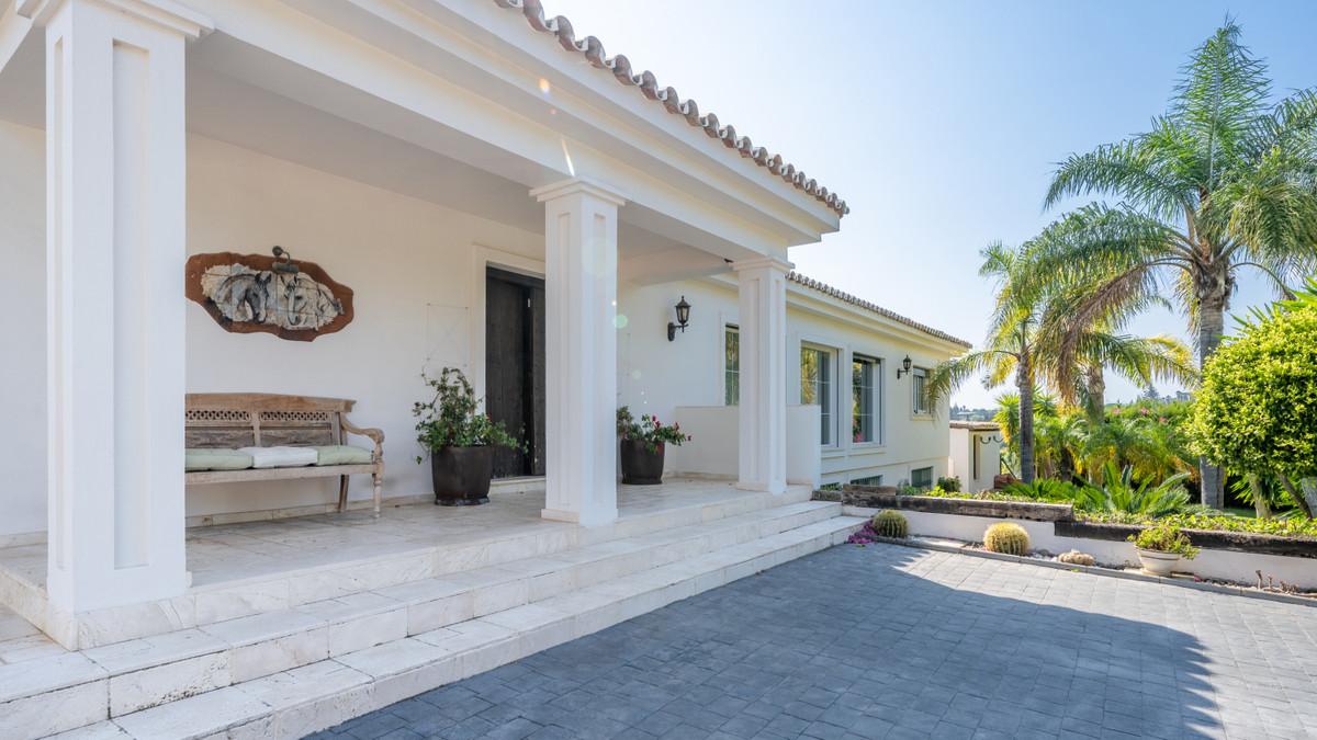 , El Padron, Costa del Sol. 4 Bedrooms, 4 Bathrooms, Built 400 m², Terrace 100 m². Beautiful Villa l,Spain
