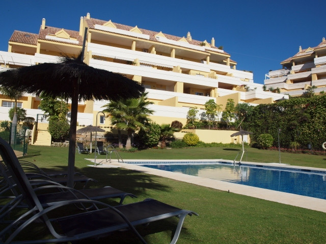 Nice apartment with 2 double bedrooms and two bathrooms (one en suite) 80m2, terrace 44 m2, air cond,Spain