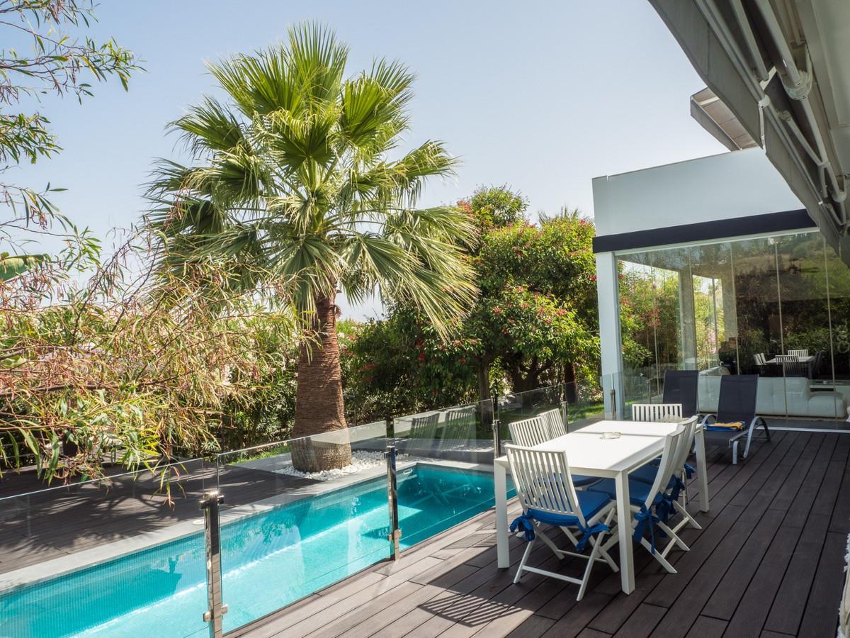 Villa – Chalet en Venta en Nueva Andalucía – R3613979