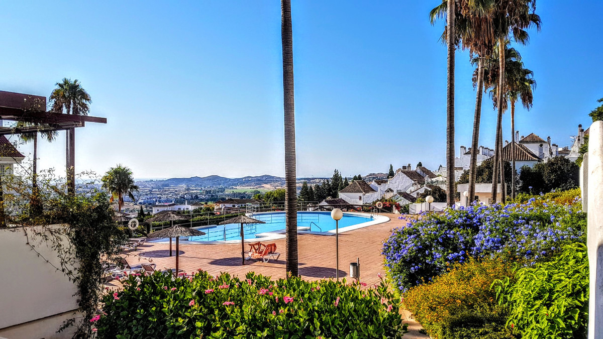 Mijas Golf, Costa del Sol.  REDUCED FROM €175,000 to €169,000  This recently renovated, spacious apa, Spain