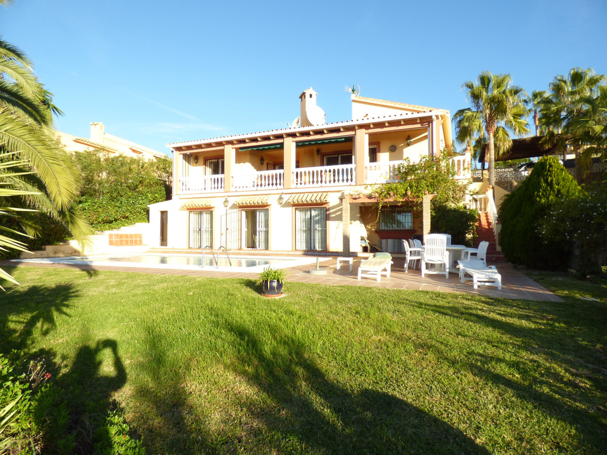 The villa is located within a 6 minute drive to Estepona town, from the property you have stunning v, Spain