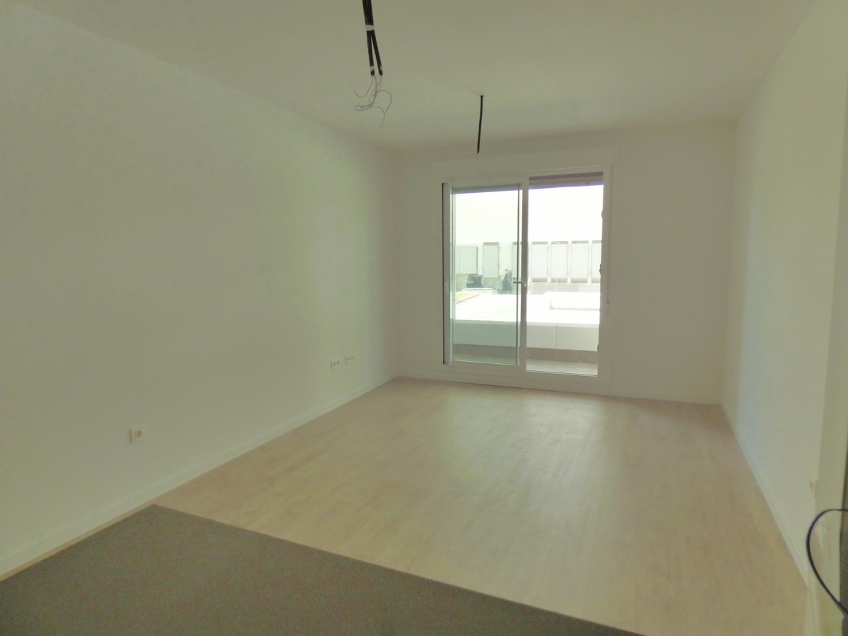 Apartamento en Venta en Nueva Andalucía – R3827503