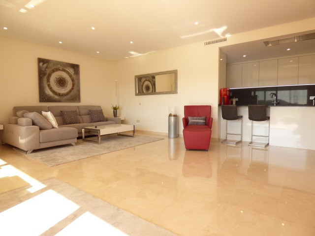 Ground Floor Apartment for sale in Casares R3286504