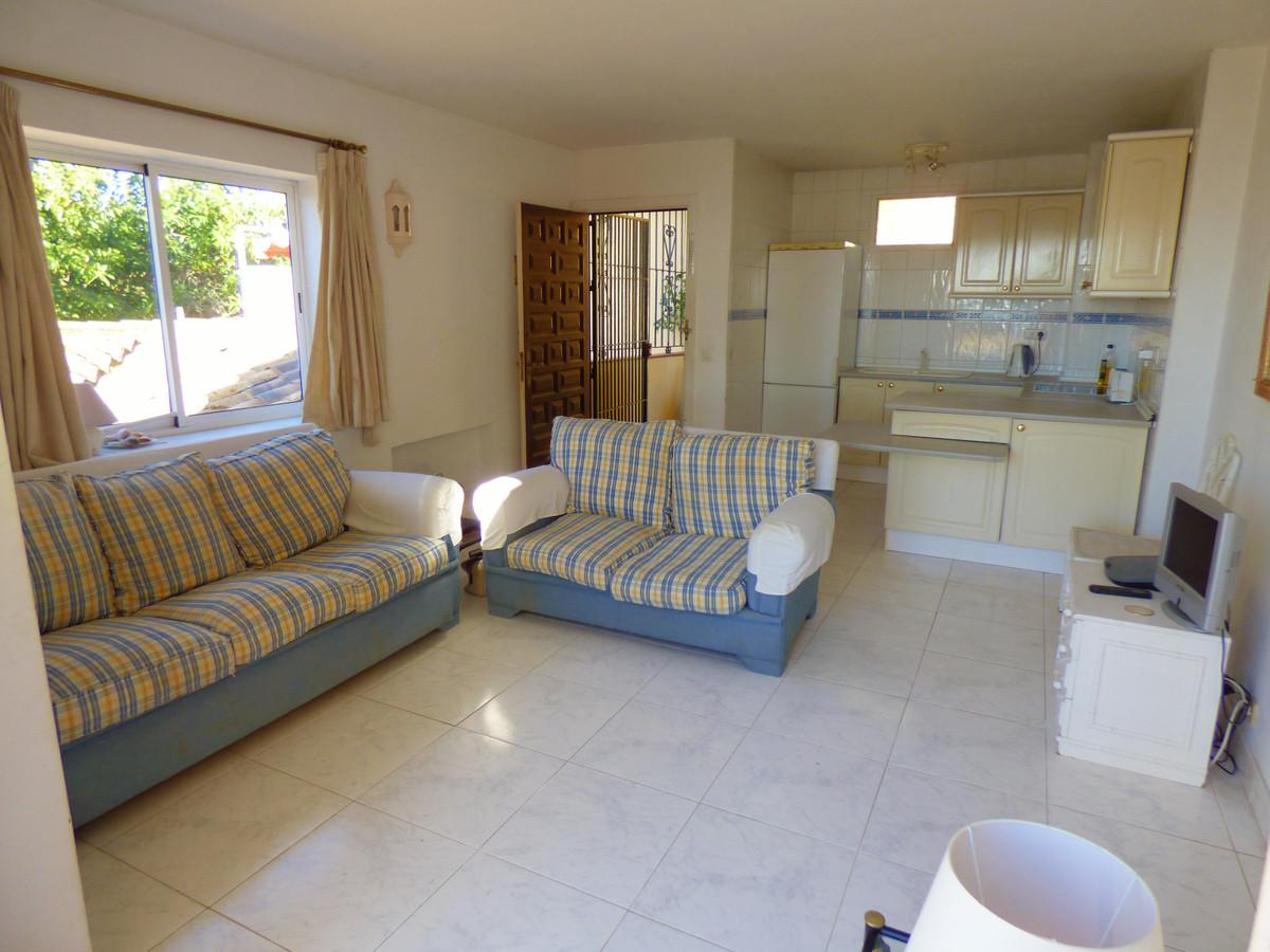 R3369196 | Penthouse in Estepona – € 150,000 – 1 beds, 1 baths