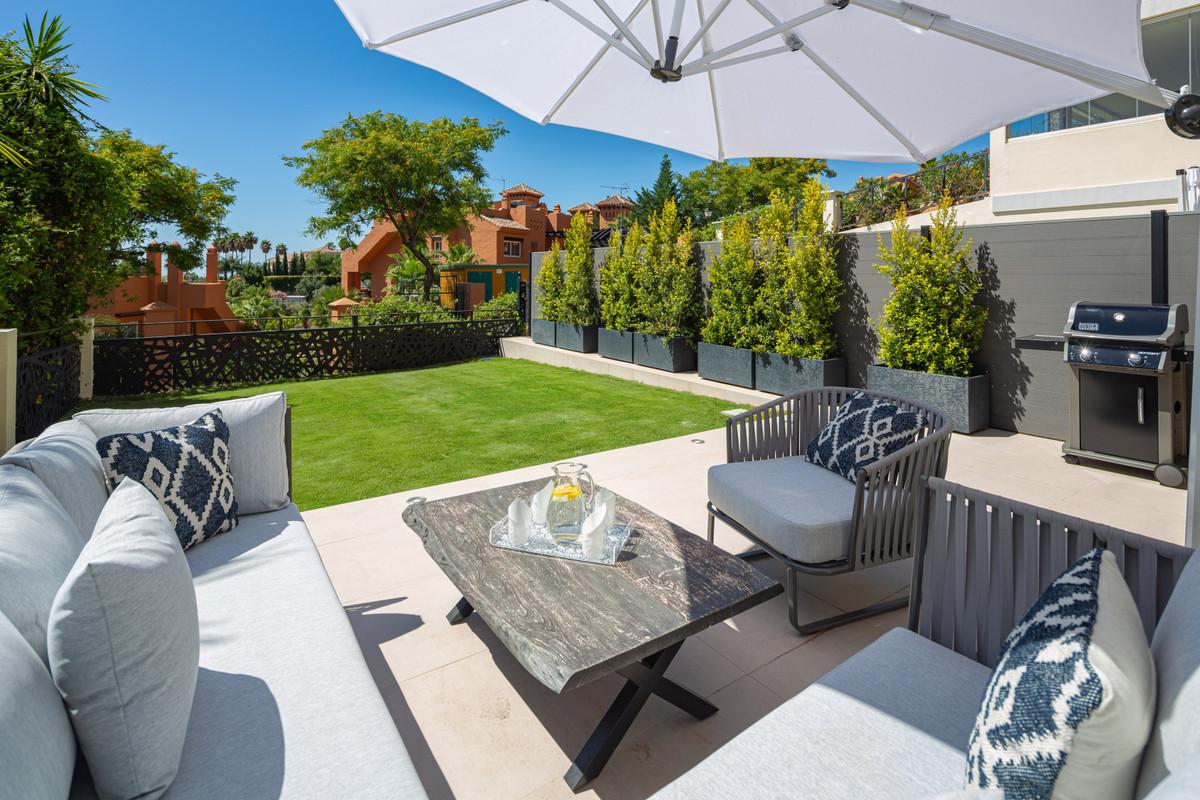 Marbella Banus Apartamento en Venta en Nueva Andalucía – R3655247
