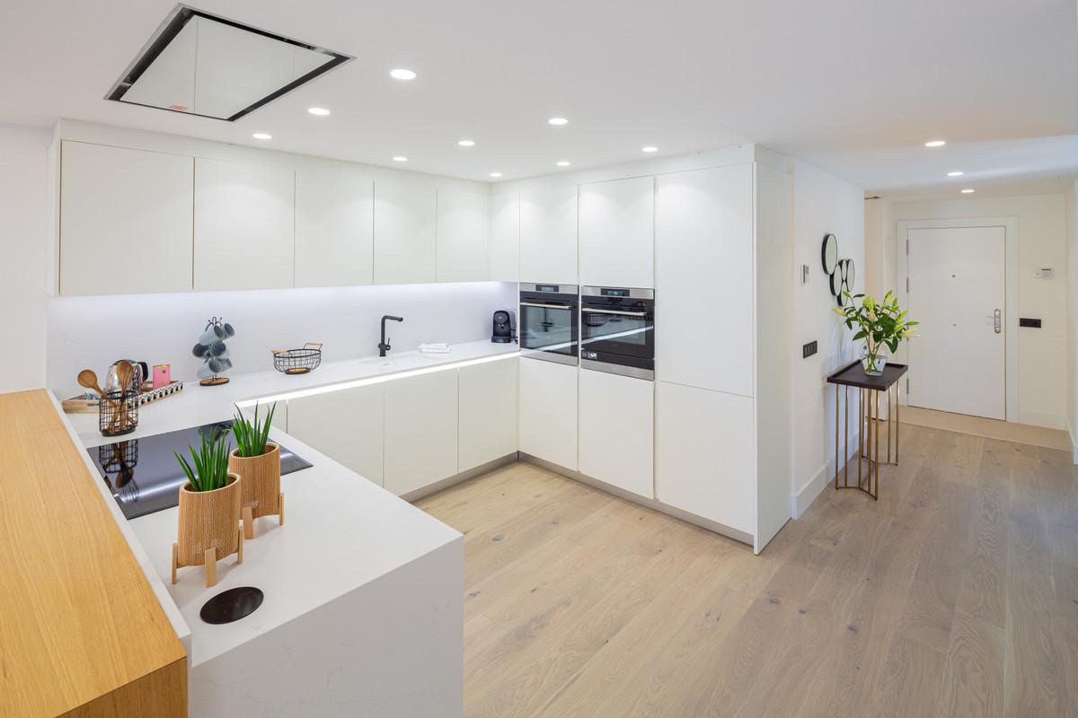 Apartamento en Venta en Nueva Andalucía – R3655247
