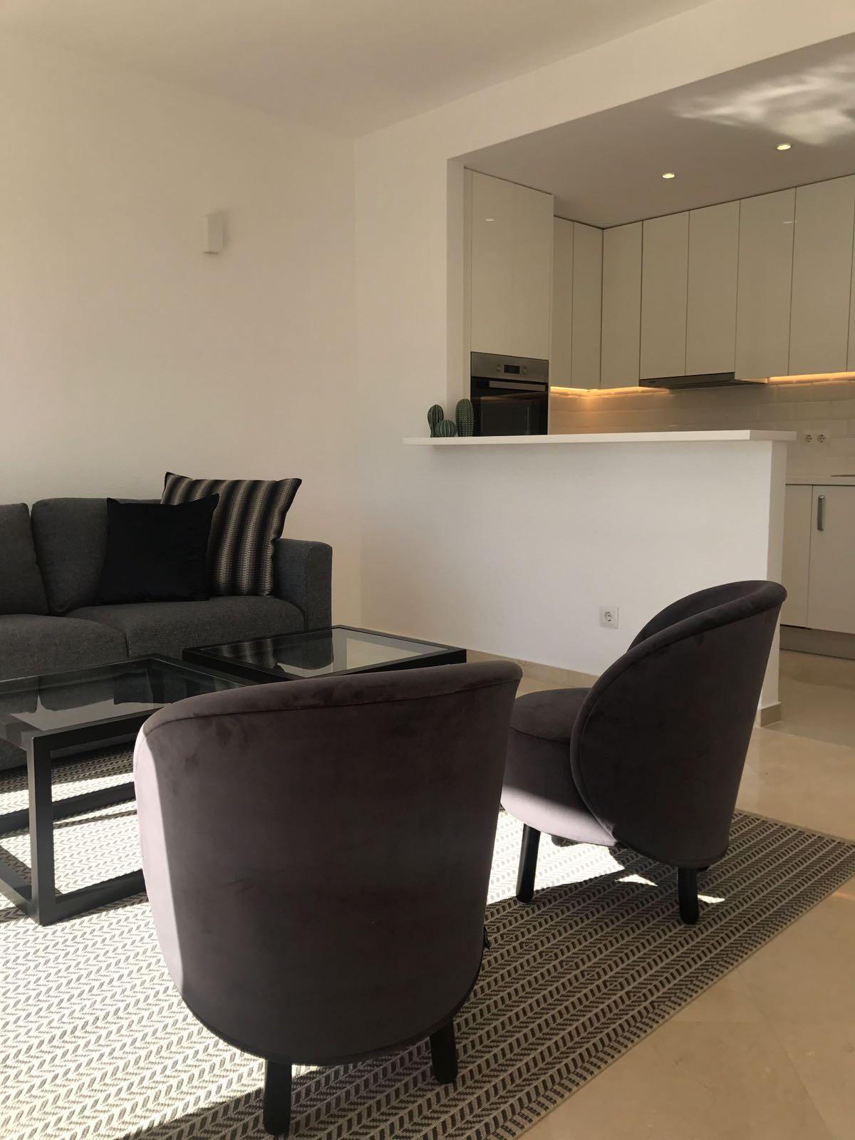 Apartment in Nueva Andalucía R2999900 12