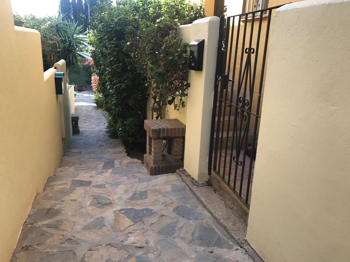 Apartment in Nueva Andalucía R2999900 16