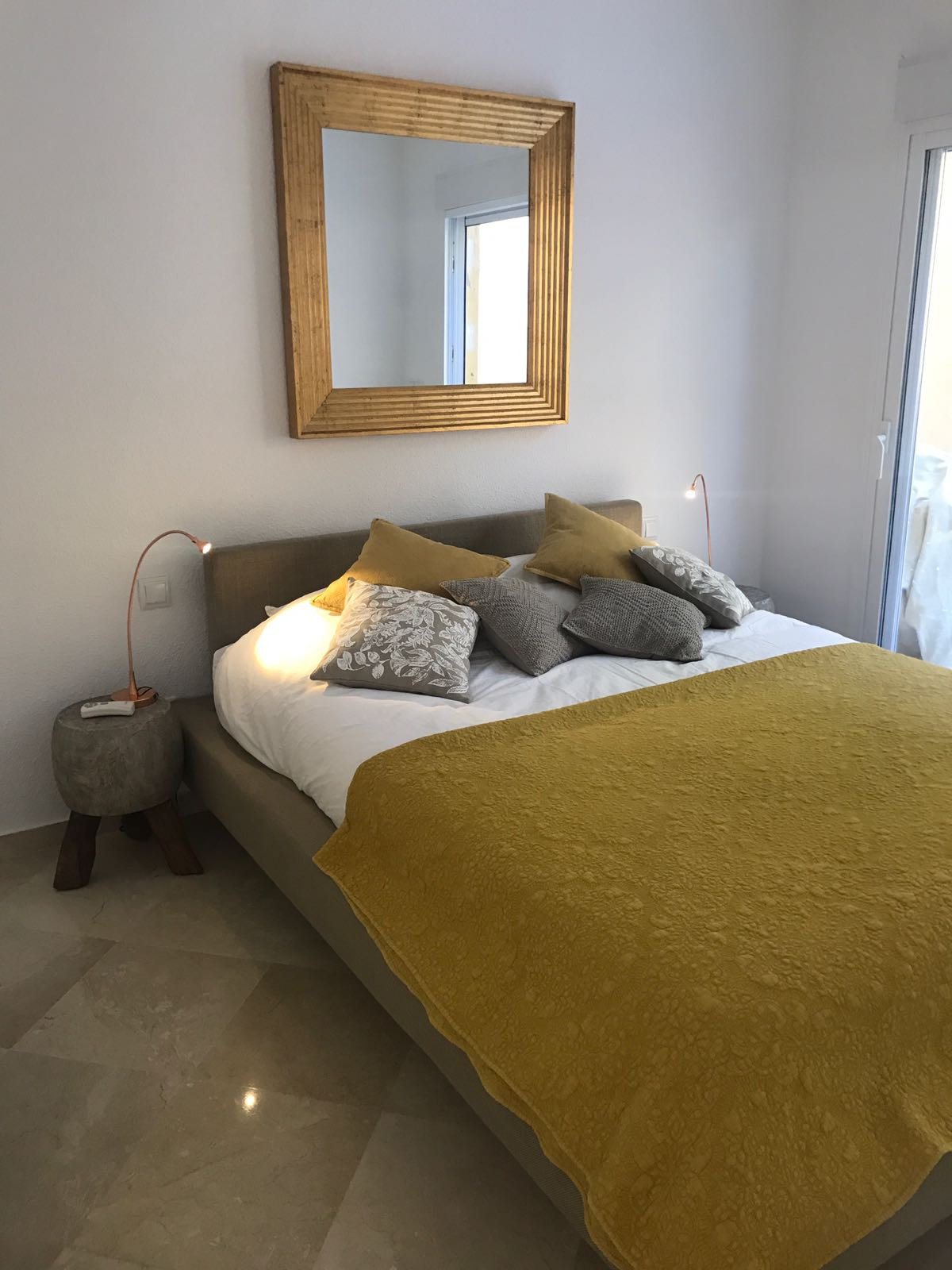 Apartment in Nueva Andalucía R2999900 2