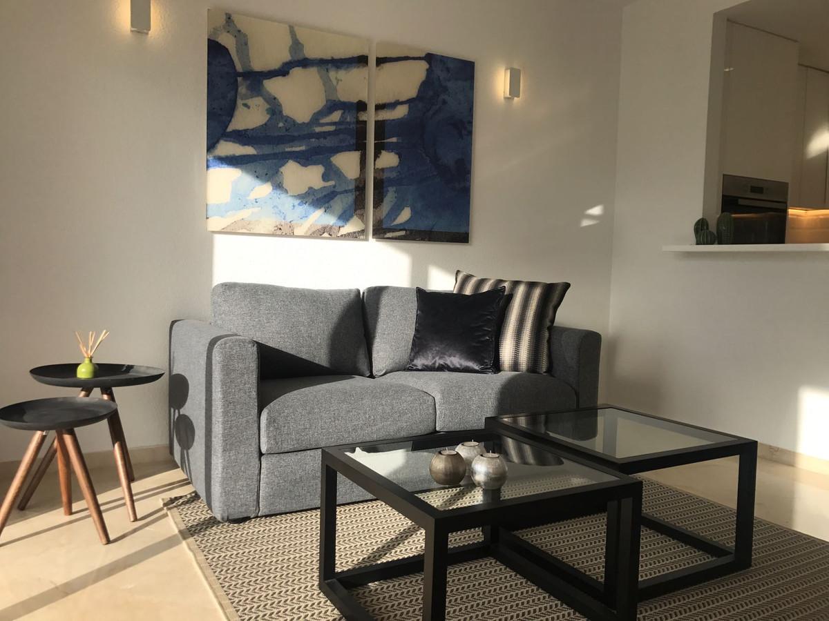 Apartment in Nueva Andalucía R2999900 5