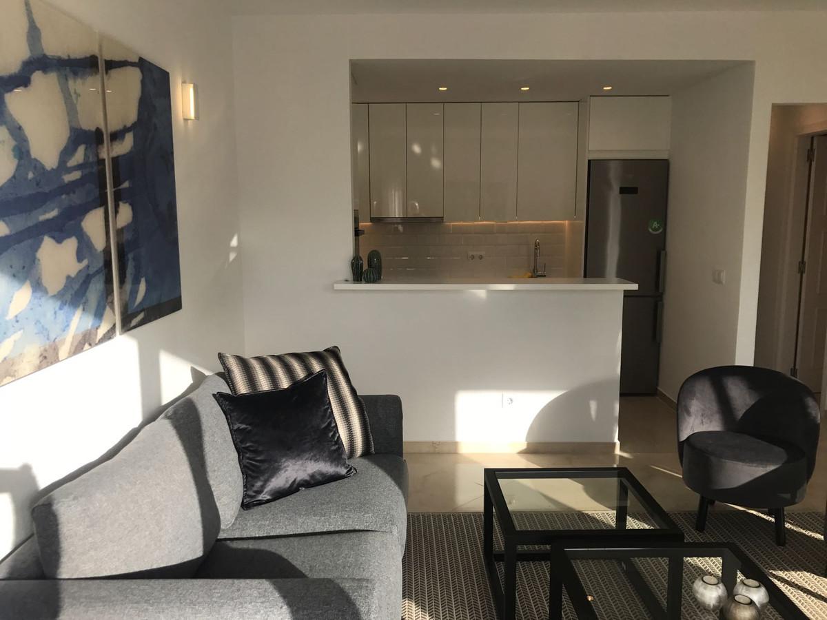 Apartment in Nueva Andalucía R2999900 7