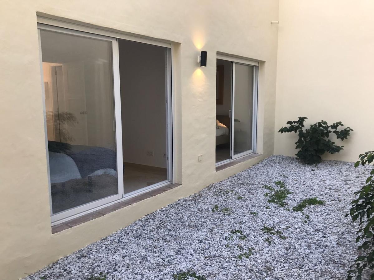Apartment in Nueva Andalucía R2999900 8