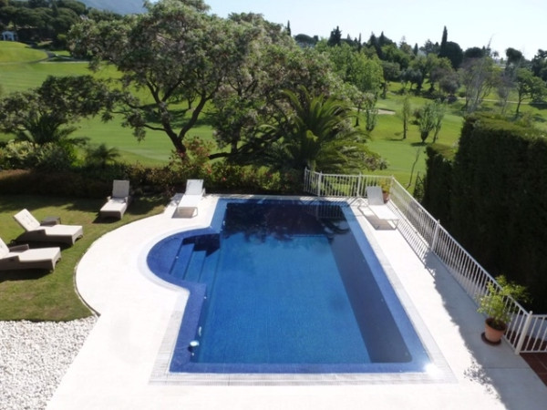 House in Marbella R2907356 12