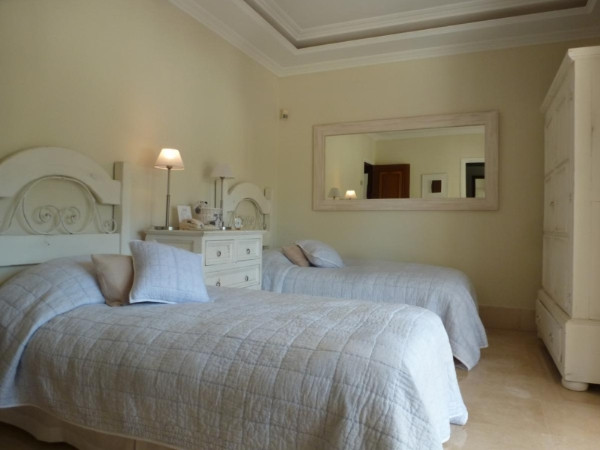 House in Marbella R2907356 13