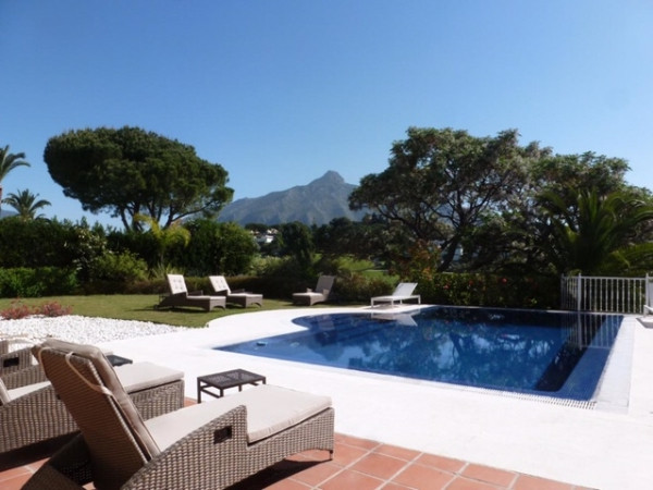 House in Marbella R2907356 2