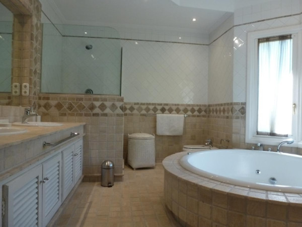 House in Marbella R2907356 5