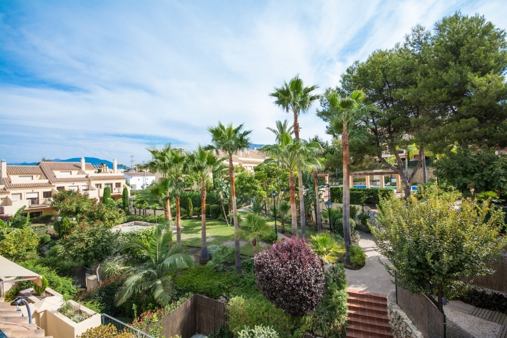This apartment is in pristine condition, located in a gated community in the well known and sought a,Spain