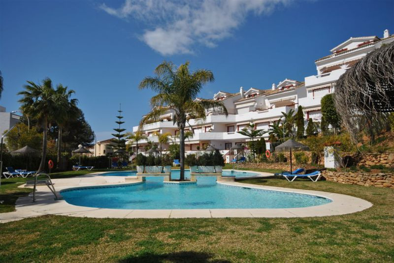Large apartment in Elviria Playa. Features two bedrooms, one en suite, a 5 minute walk to the beach ,Spain