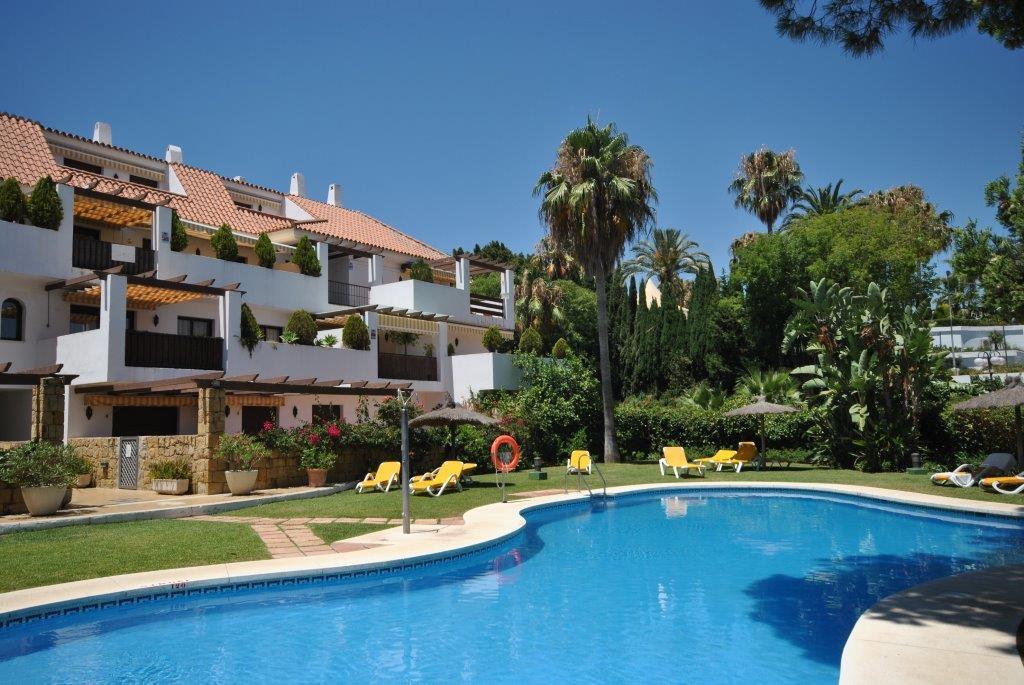 Spacious corner apartment in the Urbanizacion Coto Real II in the Lomas del Marbella Club area.  Fea,Spain