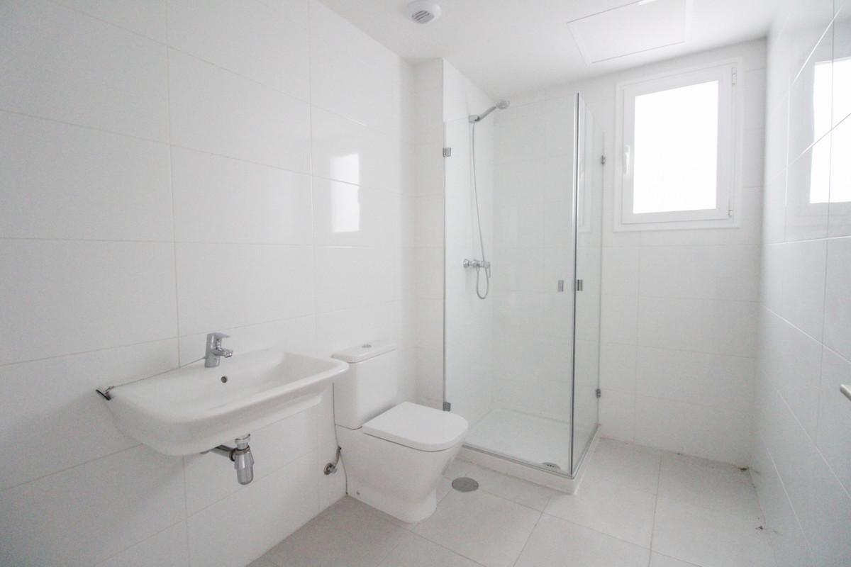 Apartamento en Venta en Nueva Andalucía – R3918178