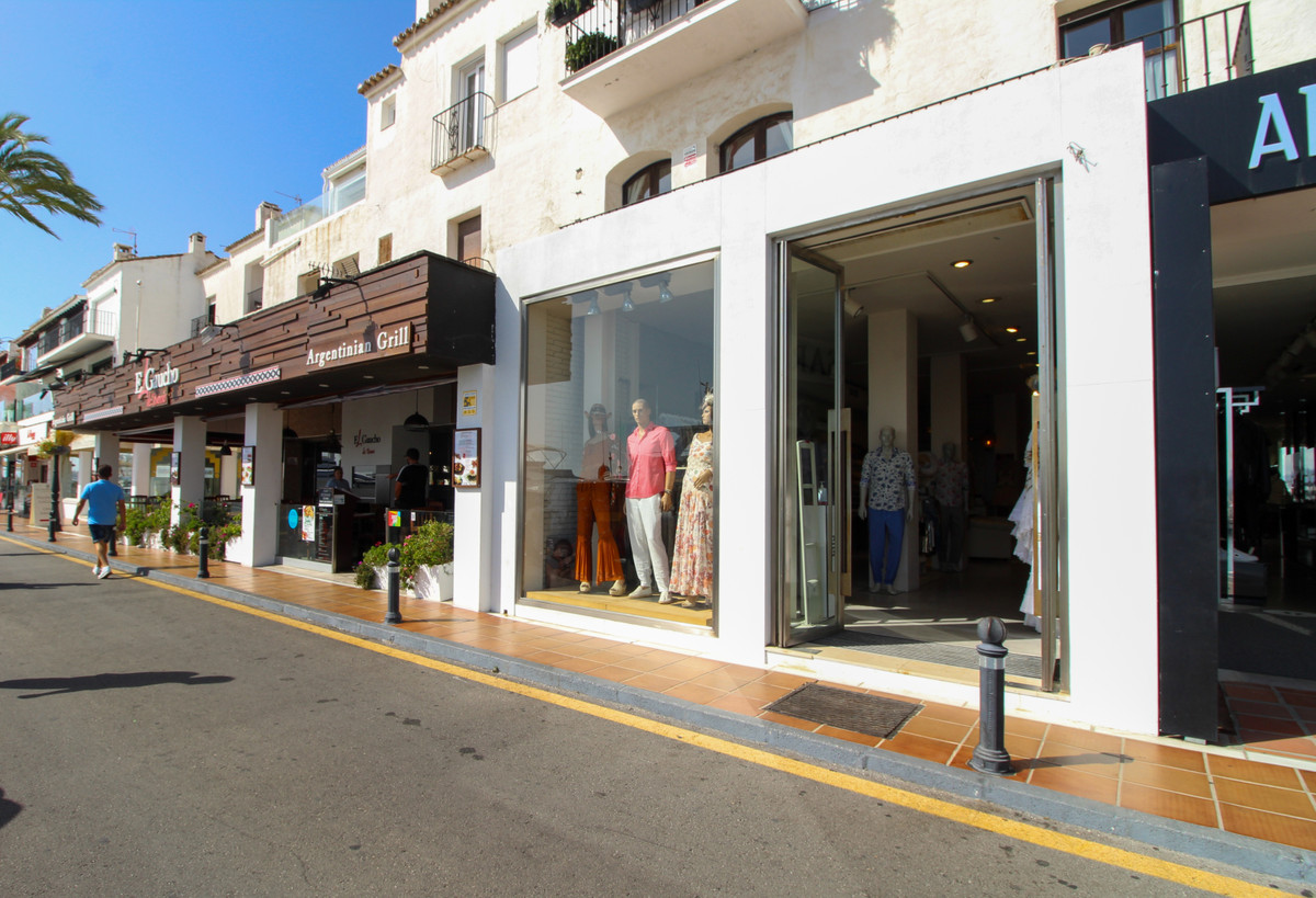 Perfectly situated frontline 90m2 commercial unit for rent or for sale in the heart of Puerto Banus,,Spain