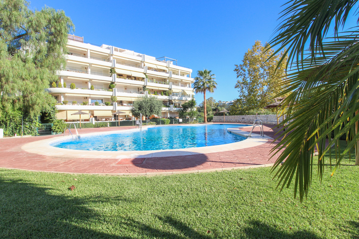 A front line golf apartment conveniently located halfway between the Guadalmina area and the town of, Spain