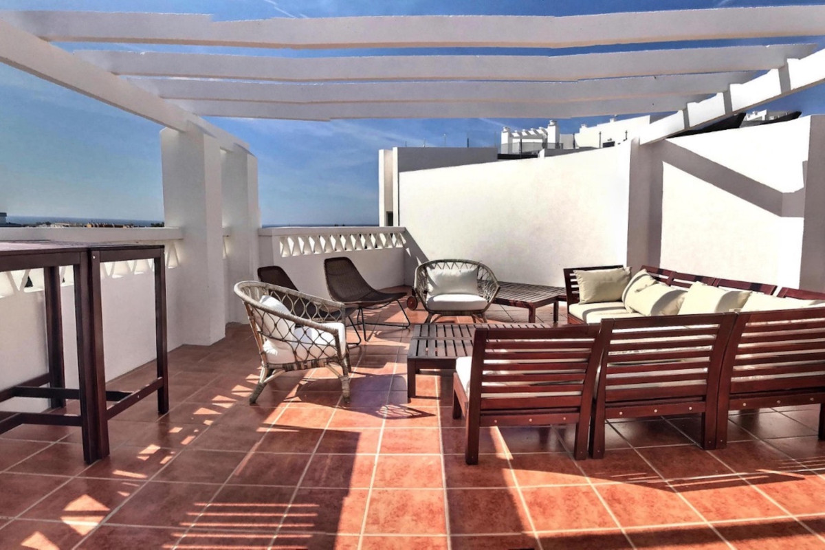 An unusually large penthouse with five double bedrooms and conveniently located in the popular are o,Spain