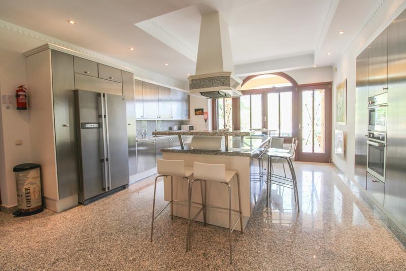 Se vende Villa – Chalet, Sierra Blanca – R3513649