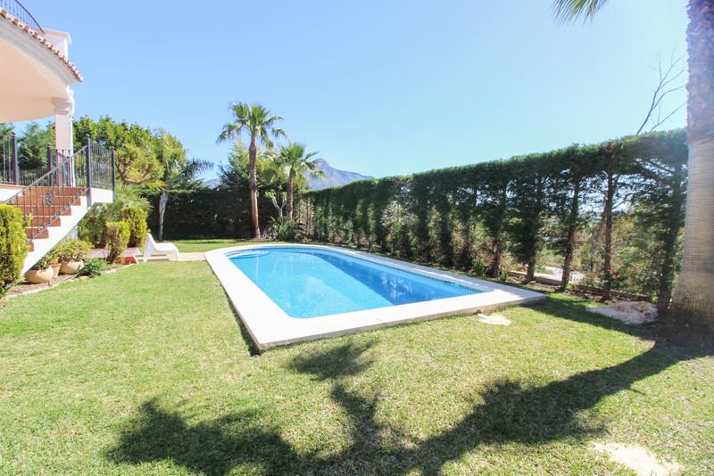 Villa – Chalet en venta en La Quinta – R3416821