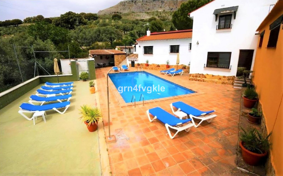 Bed and Breakfast, Villanueva del Trabuco, Costa del Sol. 12 Bedrooms, 3 Bathrooms, Built 414 m², Te, Spain