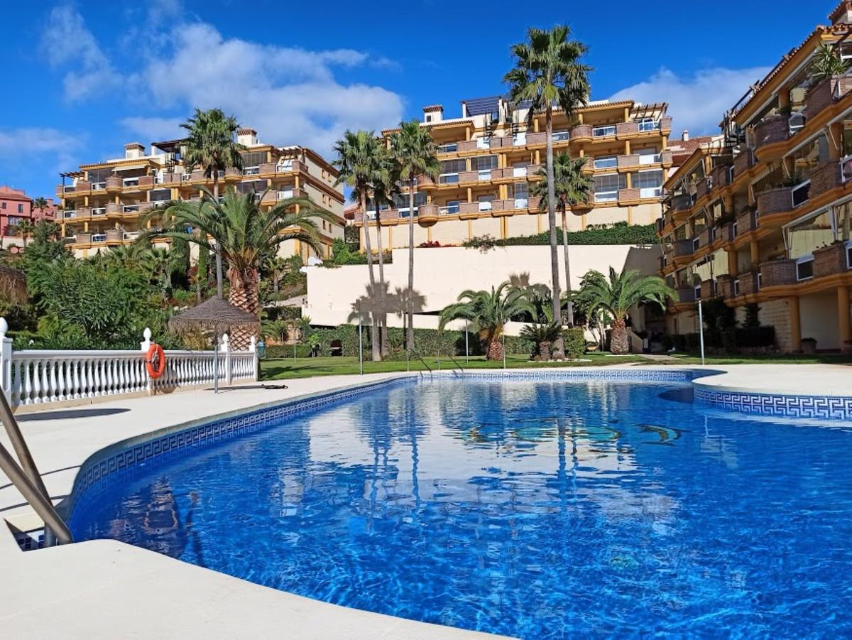 Marbella Banus Apartamento en Venta en Calahonda – R3763636
