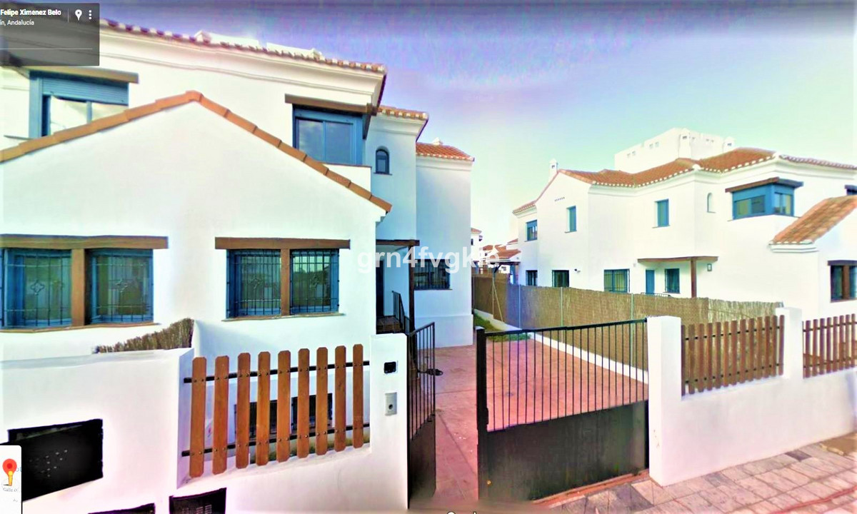 Great opportunity! Great townhouse in the city of Alhaurin de la Torre. Constructed surface of 282 m, Spain