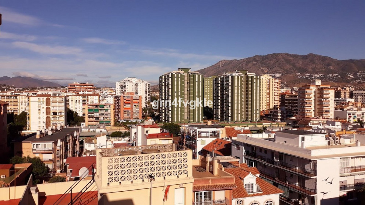 4 bedroom apartment for sale los boliches