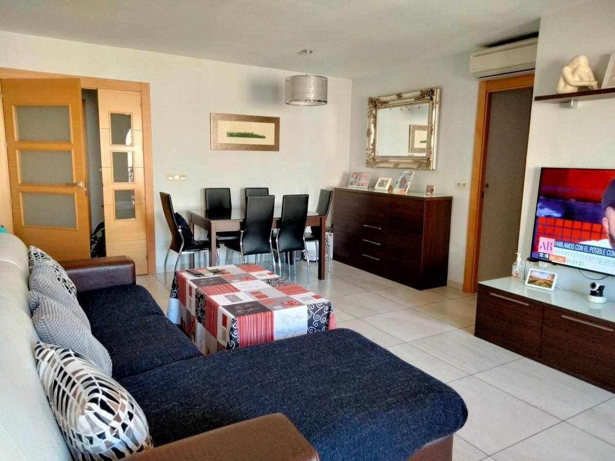 Top Floor Apartment for sale in Fuengirola R3839116
