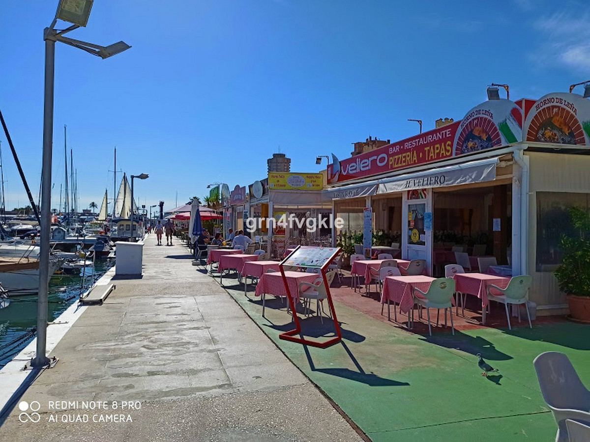 restaurant bar for sale in the harbor of Fuengirola.  Inside room 65 m2 with 2 toilets.  30 m2 terra,Spain