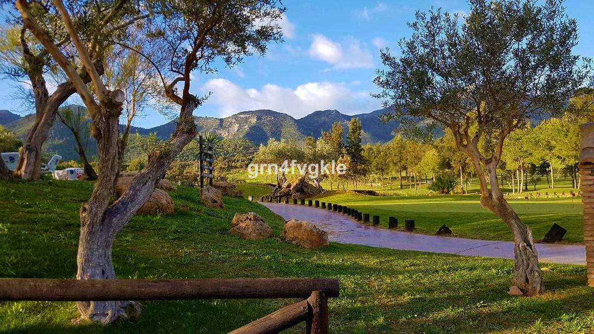 Townhouse in Lauro Golf