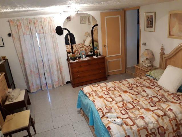 6 Bedroom Villa for sale Coín