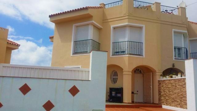 Semi-Detached House, Riviera del Sol, Costa del Sol. 3 Bedrooms, 2 Bathrooms, Built 143 m²,,Spain