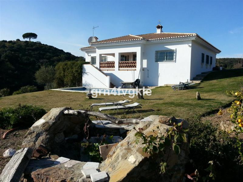 fantastic house of 258 m2 on one floor on a plot of 12669m2 3 bedrooms, 2 bathrooms, stunning lounge,Spain