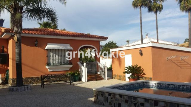 magnificent Villa at the entrance of Churriana in quiet area, consists of main house with about 160 ,Spain
