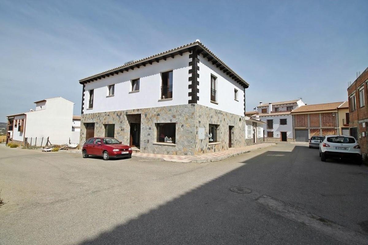 Apartment Complex for sale in Villanueva del Rosario R3515689