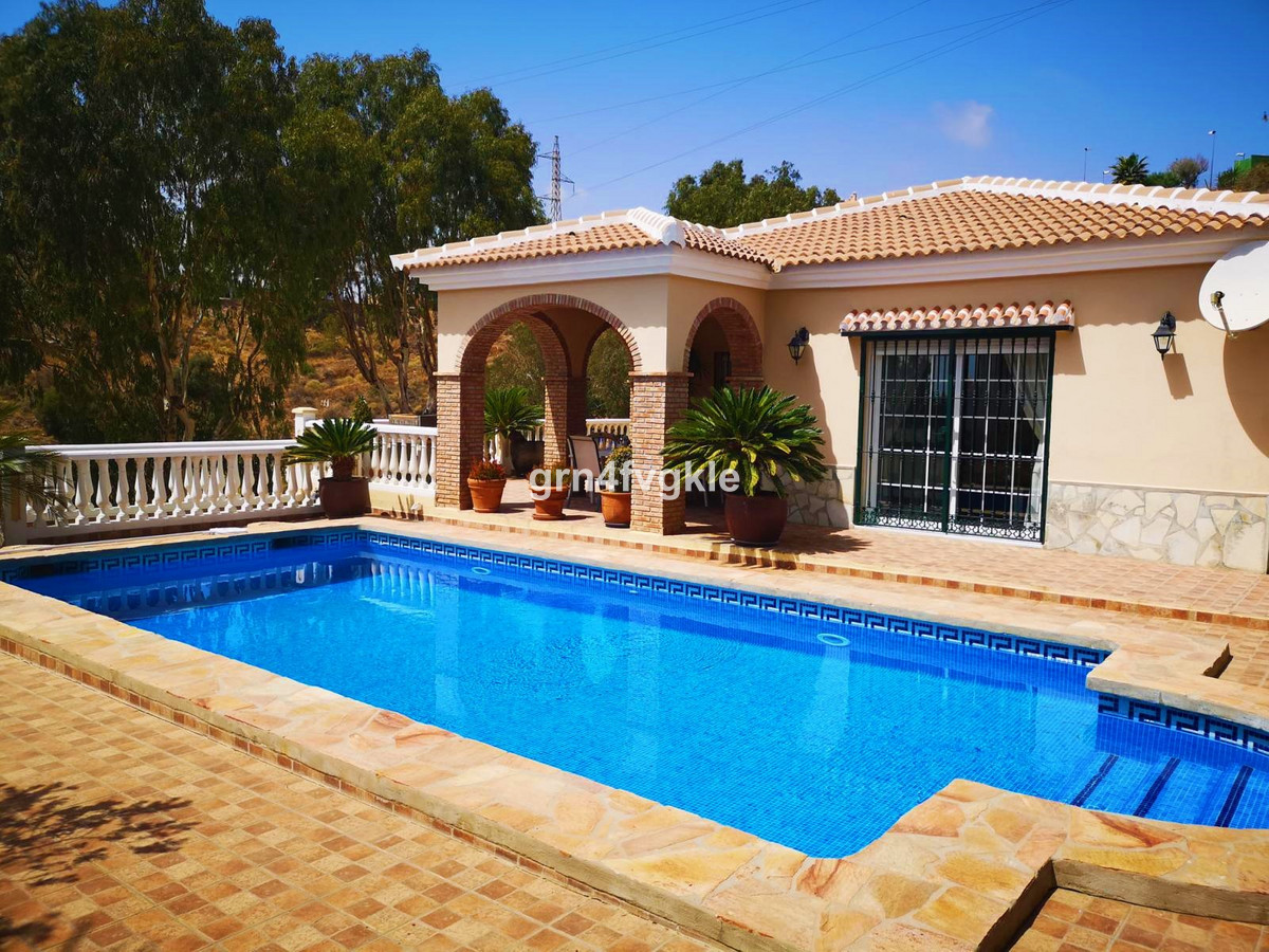 Detached Villa, Rincon de la Victoria, Costa del Sol East. 3 Bedrooms, 3 Bathrooms, Built 200 m², Te, Spain