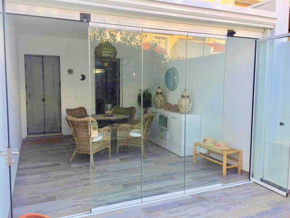 Townhouse, Fuengirola, Costa del Sol. 4 Bedrooms, 3 Bathrooms, Built 140 m², Garden/Plot 180 m². Gre,Spain