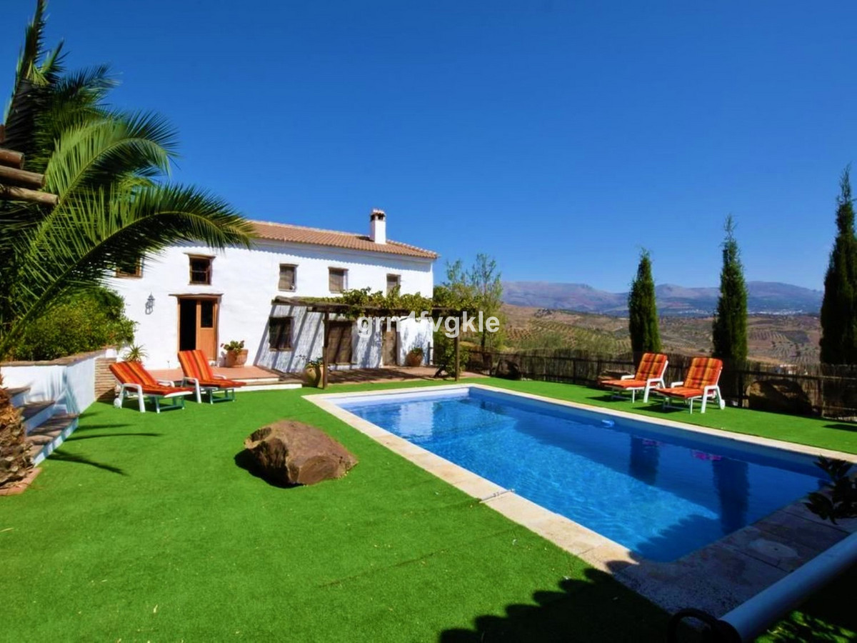 The house is an old cortijo, around 100 years old. It has been refurbished with all up to date paper, Spain