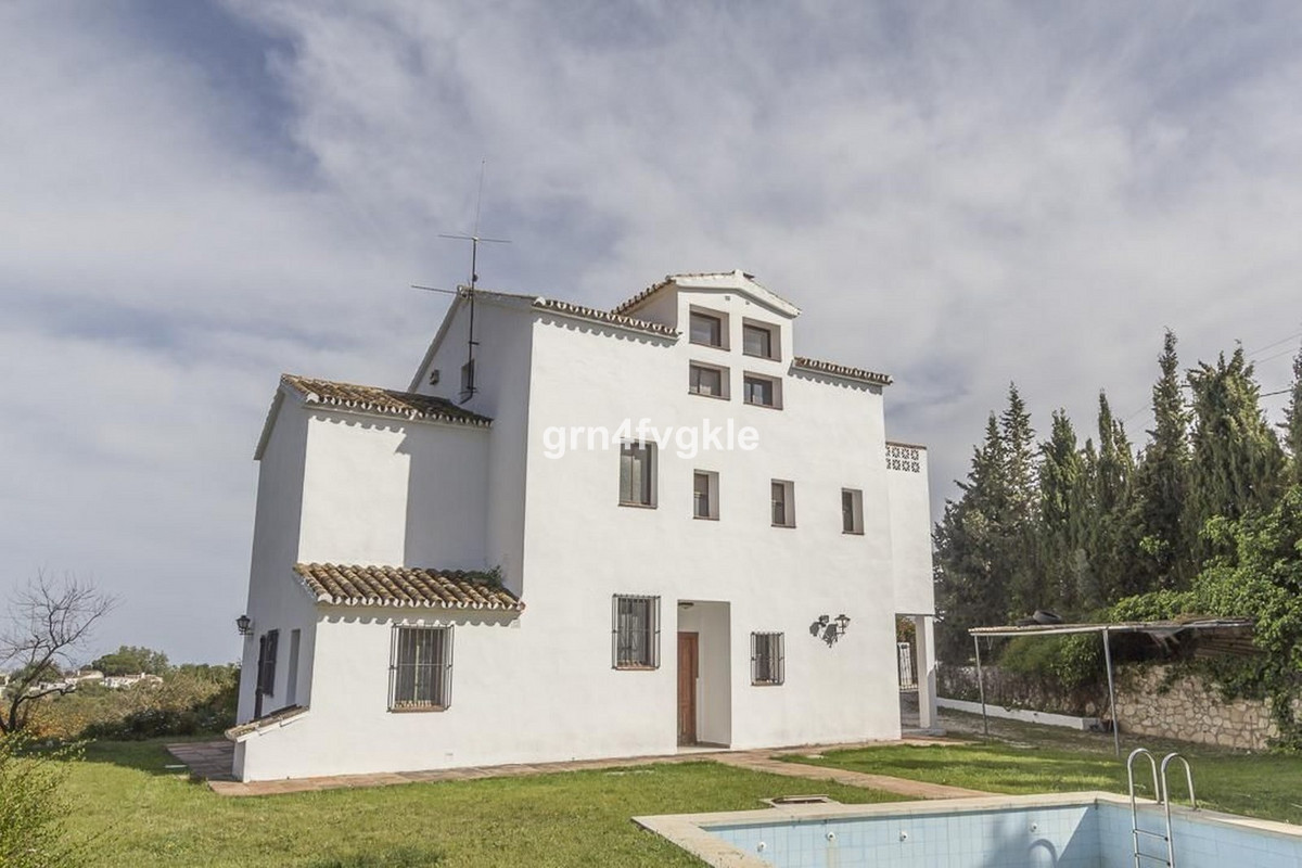 Detached Villa, Mijas, Costa del Sol. 6 Bedrooms, 4 Bathrooms, Built 350 m², Garden/Plot 4500 m². vi, Spain